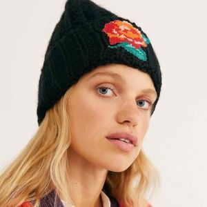 Free People Everything Rosy Beanie in Black